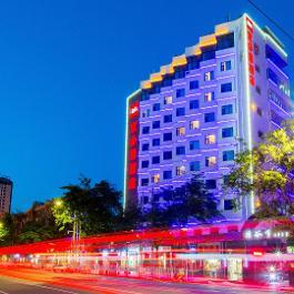 宜必思兰州火车站酒店360全景图